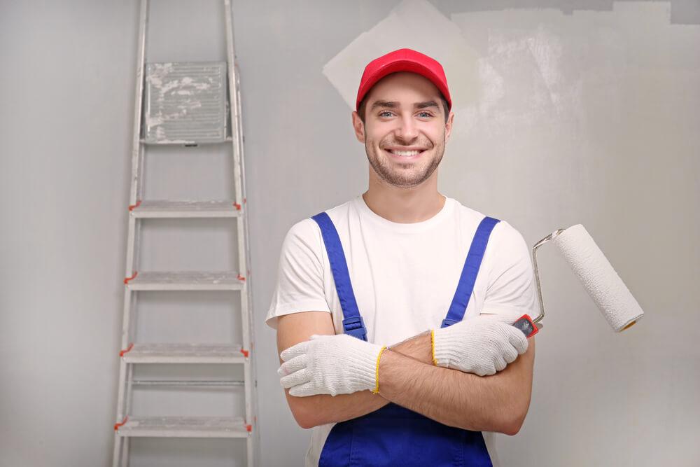Een huisschilder inschakelen voor het schilderwerk
